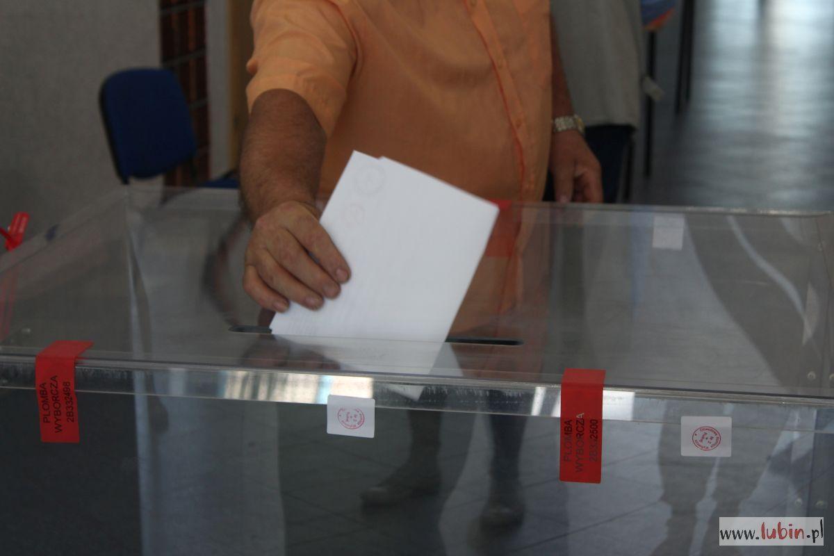 Wybory prezydenckie: tradycyjnie i listownie