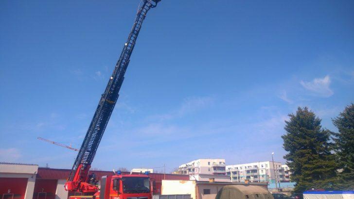 Strażacy mają drabinę do samego nieba