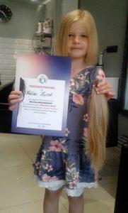 Sześciolatka Obcięła Włosy Na Perukę Dla Chorej Julki Regionfanpl