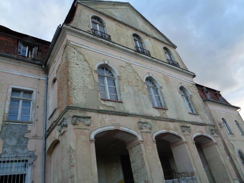 JERZMANOWA. Gmina kupi pałac (WIDEO)
