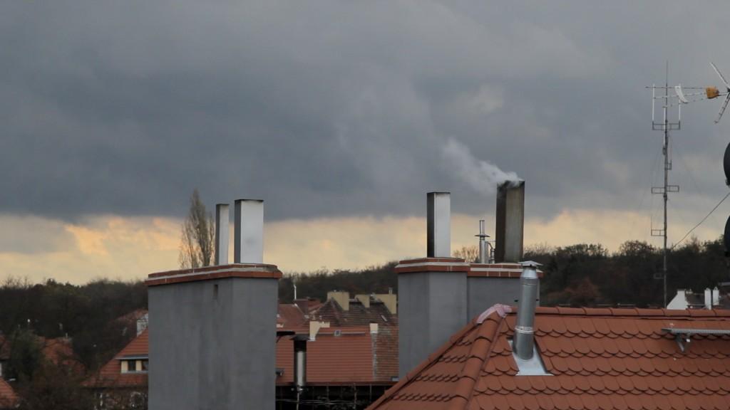 LEGNICA. Duże stężenie smogu nad miastem (WIDEO)