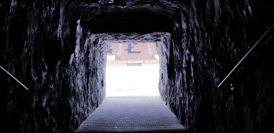 Tunel stadionu Zagłębia jak wnętrze kopalni