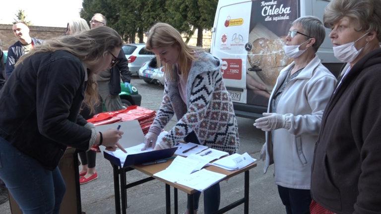 130 paczek trafiło już do potrzebujących (FOTO, WIDEO)