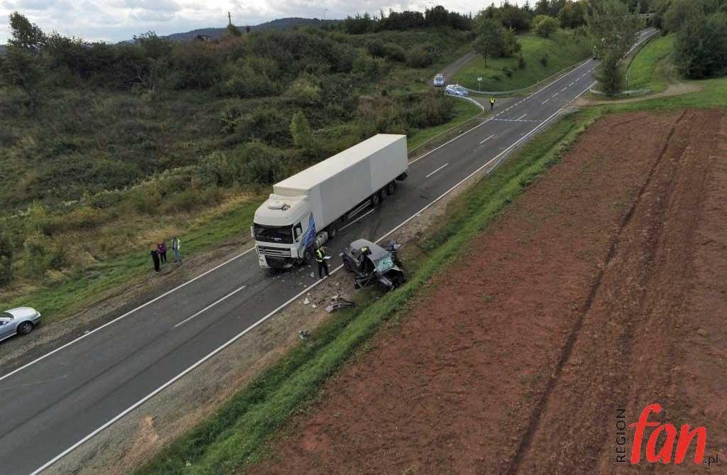 Dwie kolizje pod Dobromierzem. Jedna osoba zginęła (FOTO, WIDEO)