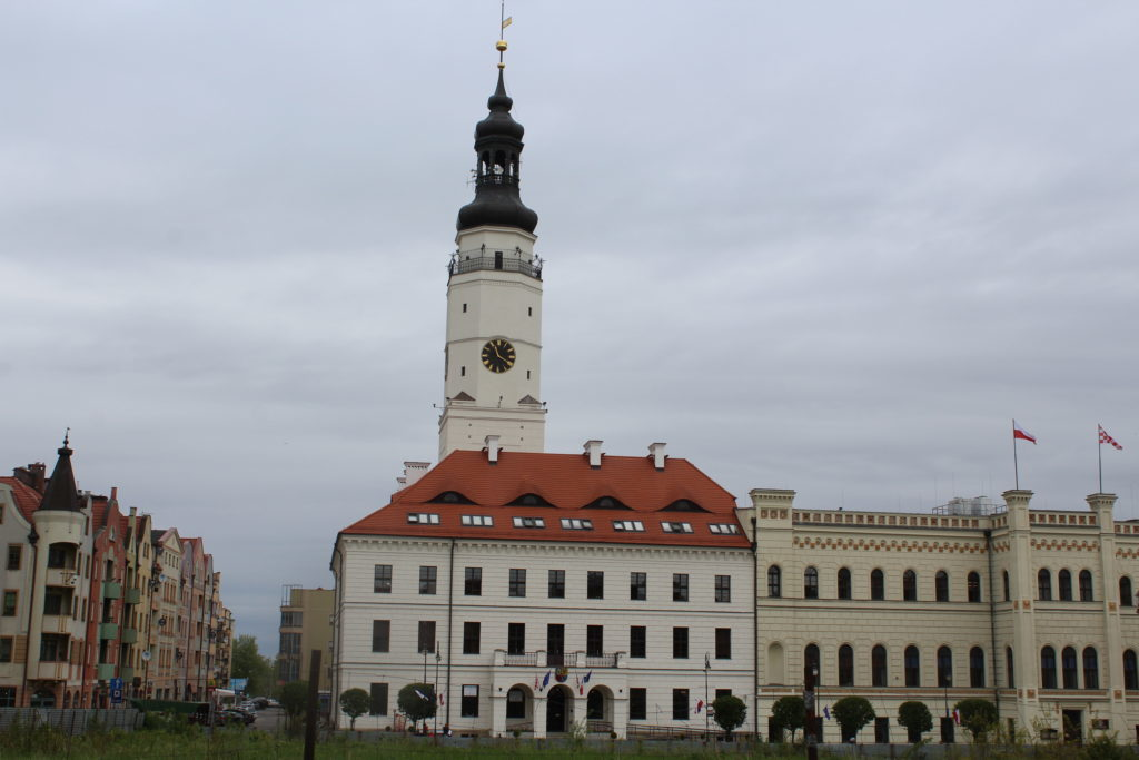Niższe dochody w budżecie Głogowa. Urzędnicy stracą pracę?