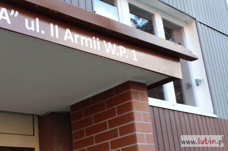 Wojewoda zmienia nazwy ulic w Lubinie i Przemkowie (WIDEO)