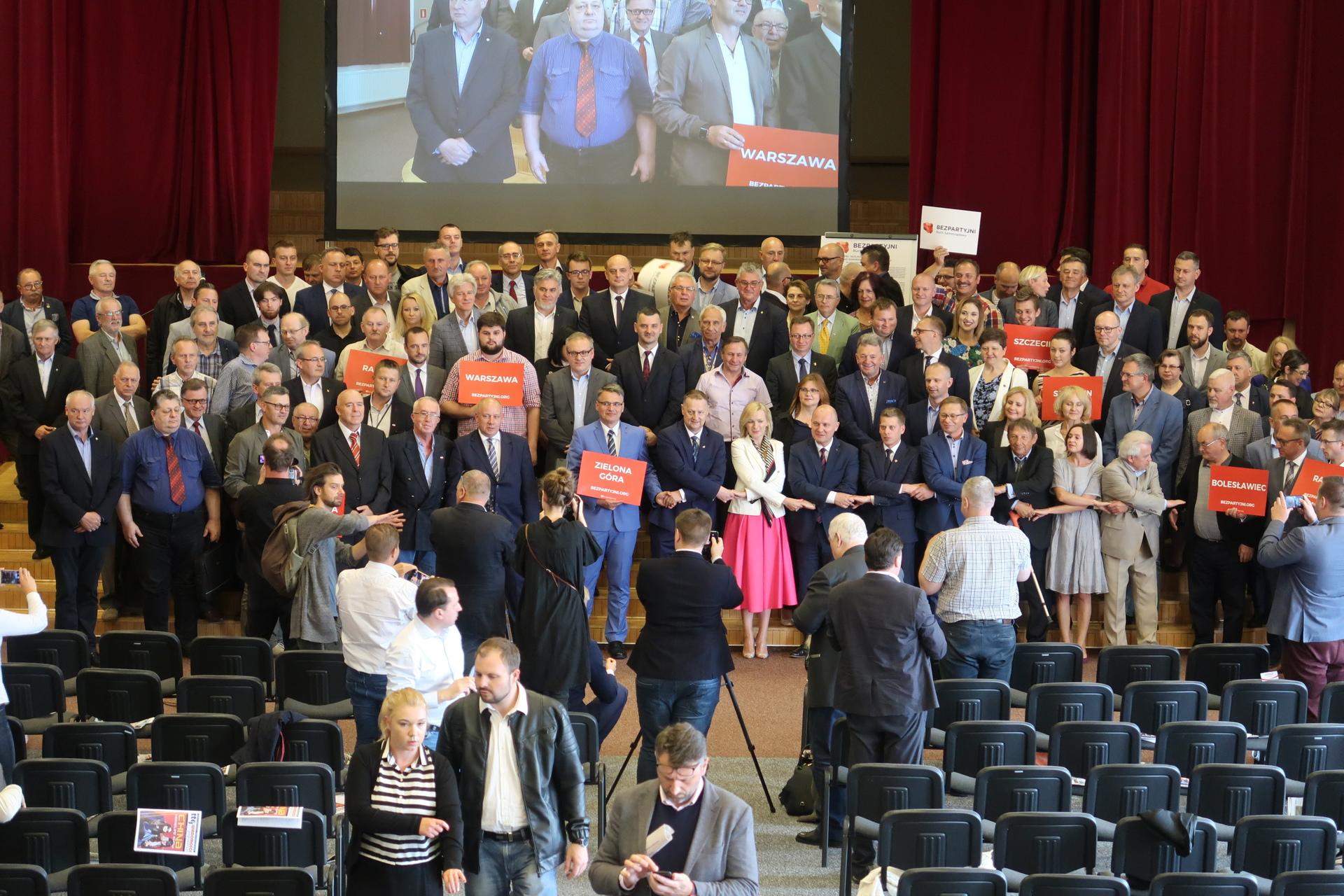 Przedstawiciele 11 województw na Konwencie Ruchu Bezpartyjnych!