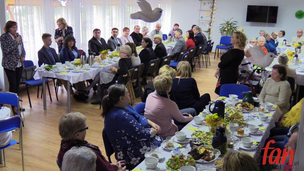 Wielkanocne śniadanie Seniorów Wideo Regionfanpl
