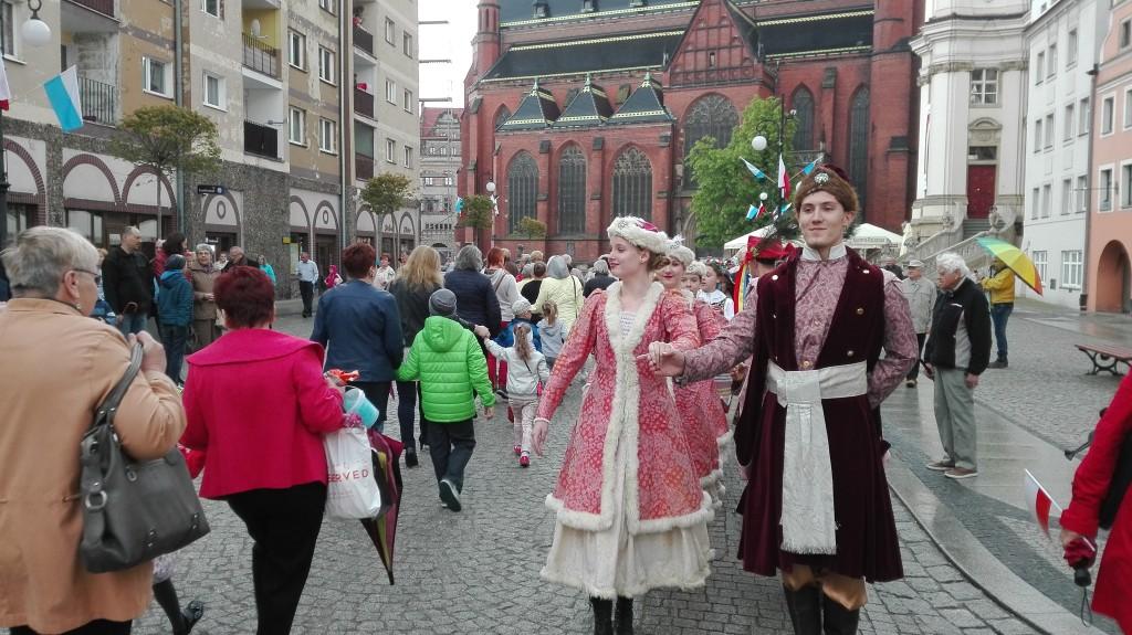 LEGNICA. Polonez na Rynku (FOTO)