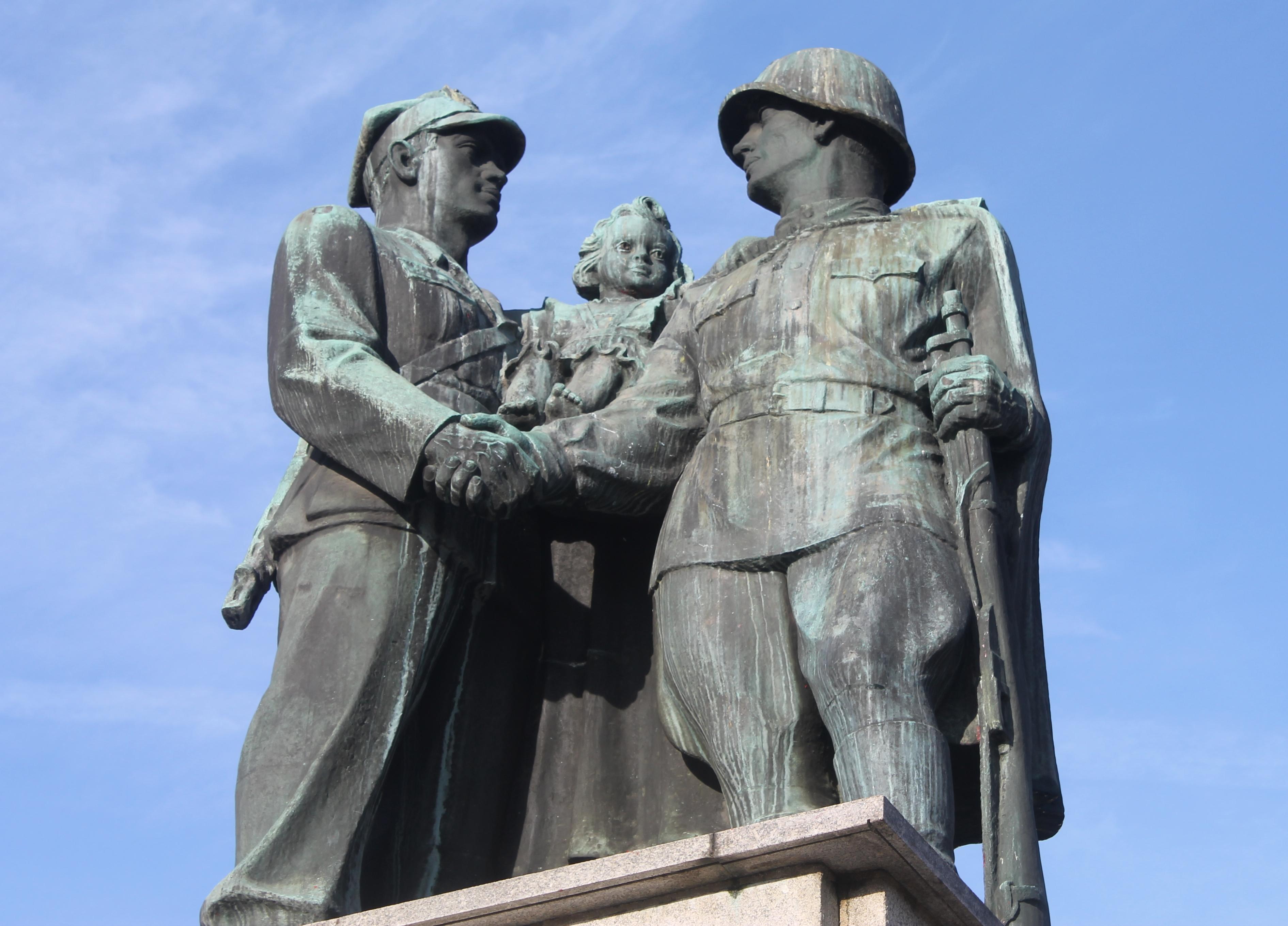 Powstanie muzeum wstydliwych pomników? (WIDEO)