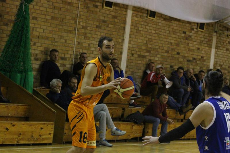 Koszykarskie derby dla SMK Lubin