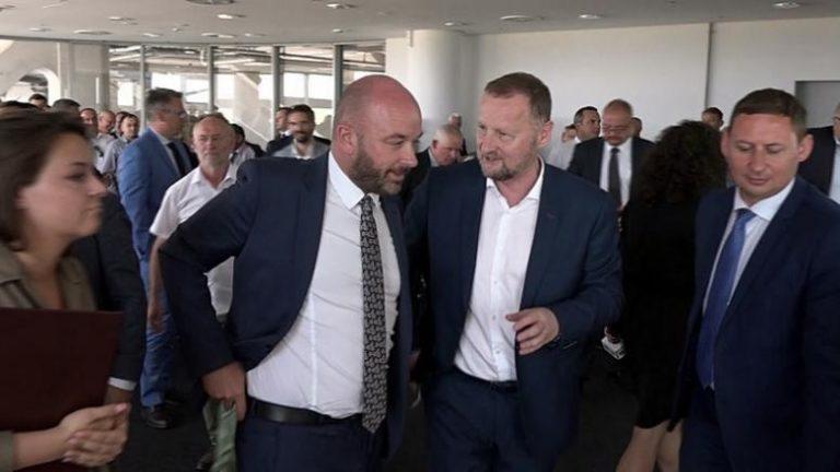 Samorządowcy przekonują, że decentralizacja może wzmocnić Polskę