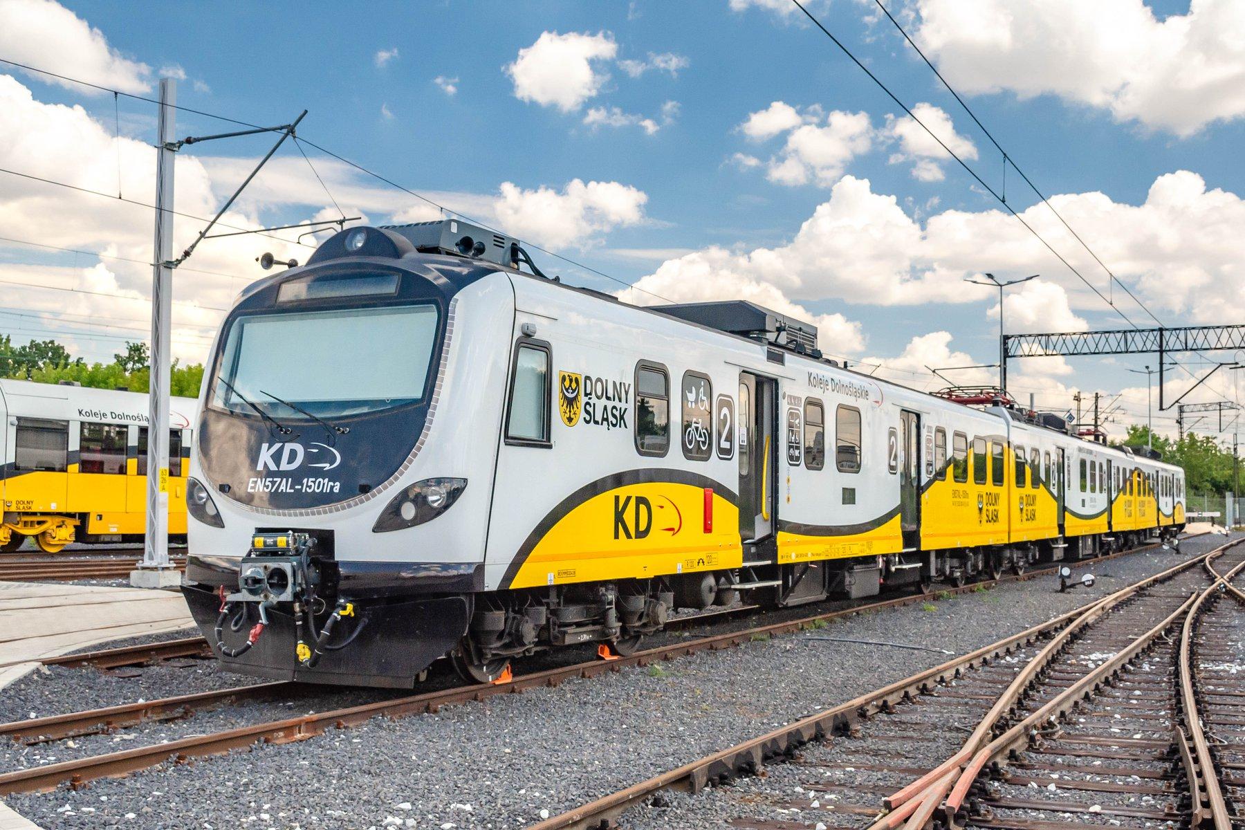 Wakacyjne zmiany w rozkładzie jazdy pociągów