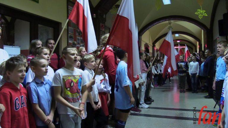 Zaśpiewali dla Niepodległej (FOTO, WIDEO)