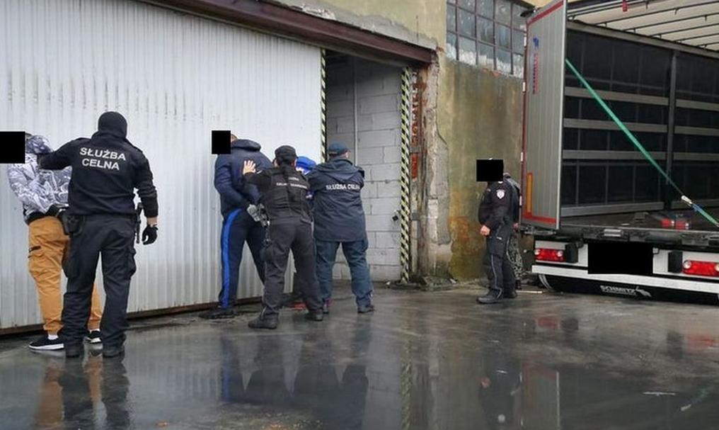 Nielegalna fabryka tytoniu zlikwidowana (WIDEO)