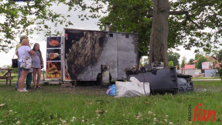 Pożar budki gastronomicznej przy ul. Słowackiego (WIDEO)