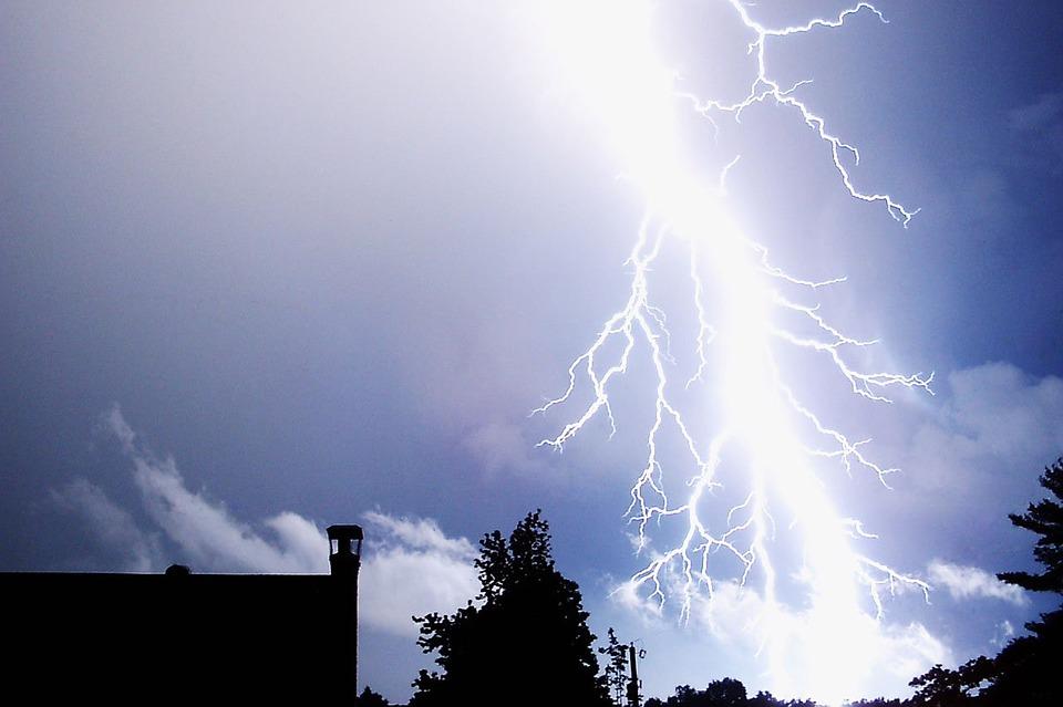 Synoptycy zapowiadają wietrzną i burzową środę