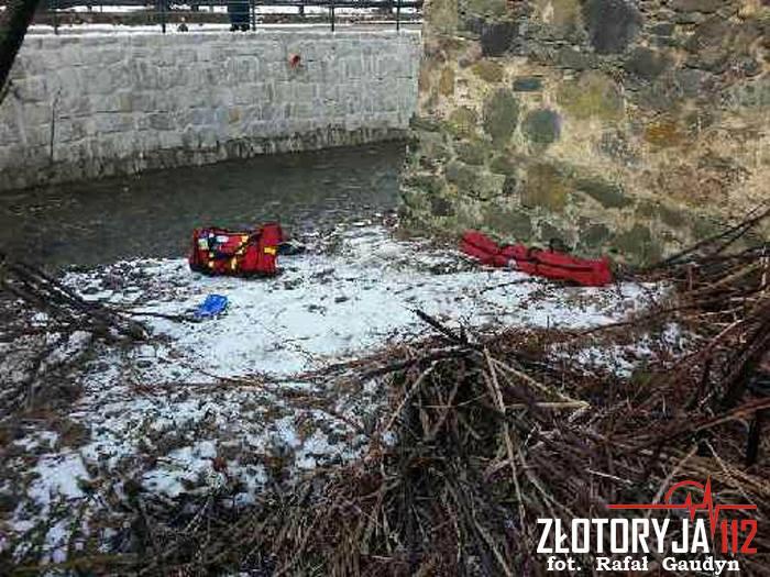 Mężczyzna leżał w Kaczawie. Pomogli mu strażacy