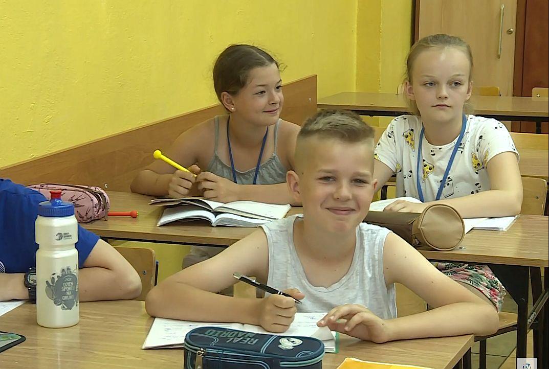 Kolejne szkoły skracają lekcje (WIDEO)