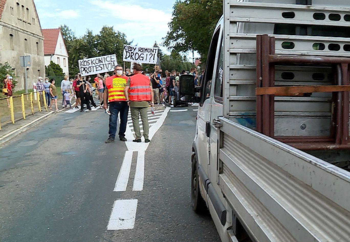 W ramach protestu blokowali ruch (WIDEO)