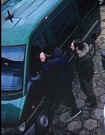 Policja poszukuje sprawców kradzieży pieniędzy