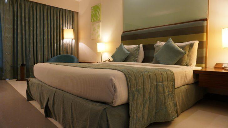 Lampki nocne – jak wybrać odpowiednią lampkę do sypialni?