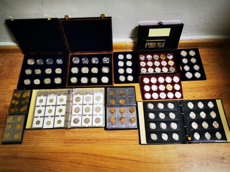 Policjanci odzyskali ponad 450 kolekcjonerskich monet