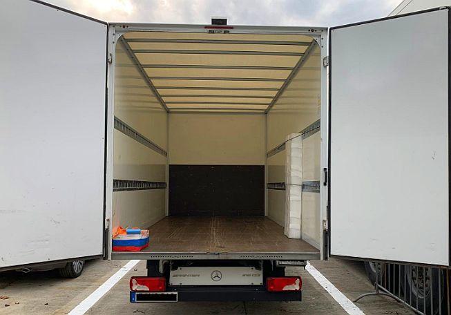 Auto skradzione w Niemczech znaleźli pod Legnicą