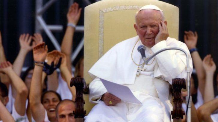 Apelują o obronę Jana Pawła II przed atakami