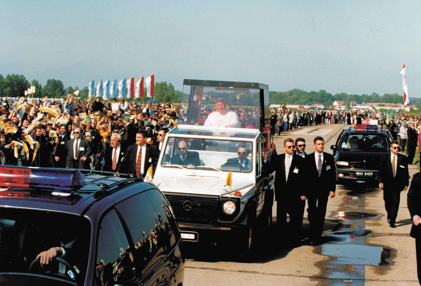 Papież patronem chojnowskiej ulicy