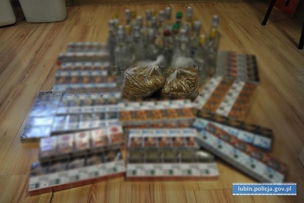 Sprzedawał nielegalny alkohol i papierosy