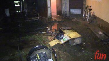 JAWOR. Pożar garażu przy Placu Wolności (WIDEO)
