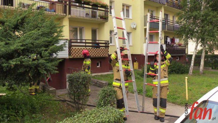 Pożar mieszkania na Os. Metalowców (FOTO, WIDEO)