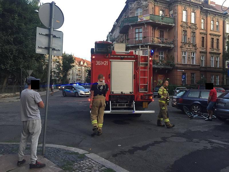 Volkswagen w ogniu. Sprawca zatrzymany (WIDEO)