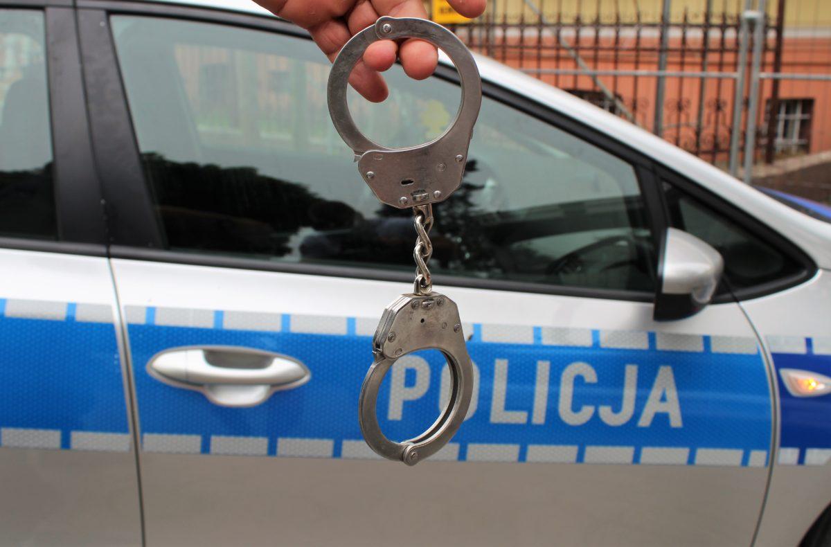18-latek kradł sprzęt i biżuterię (WIDEO)