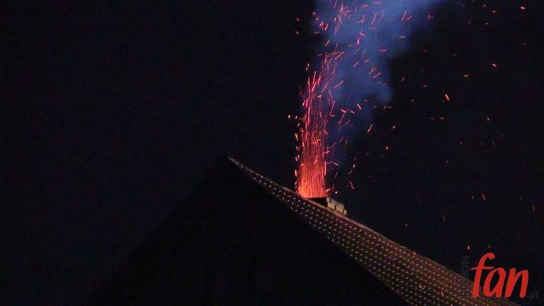 Pożar sadzy w kominie – było groźnie (FOTO, WIDEO)