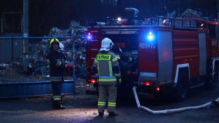 Pożar na składowisku w Kłopotowie