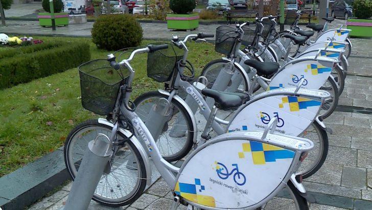 Ukradli prawie 50 rowerów miejskich (WIDEO)