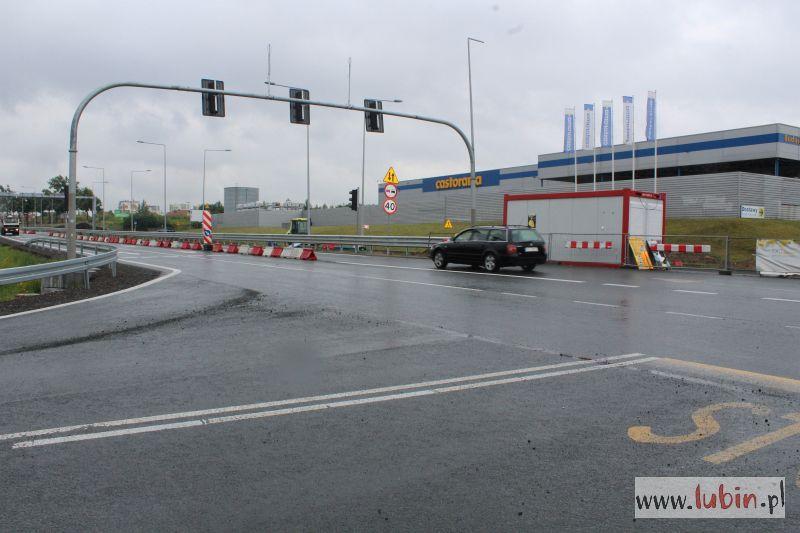 Remont skrzyżowania przy Castoramie potrwa dłużej niż zakładano (FOTO)