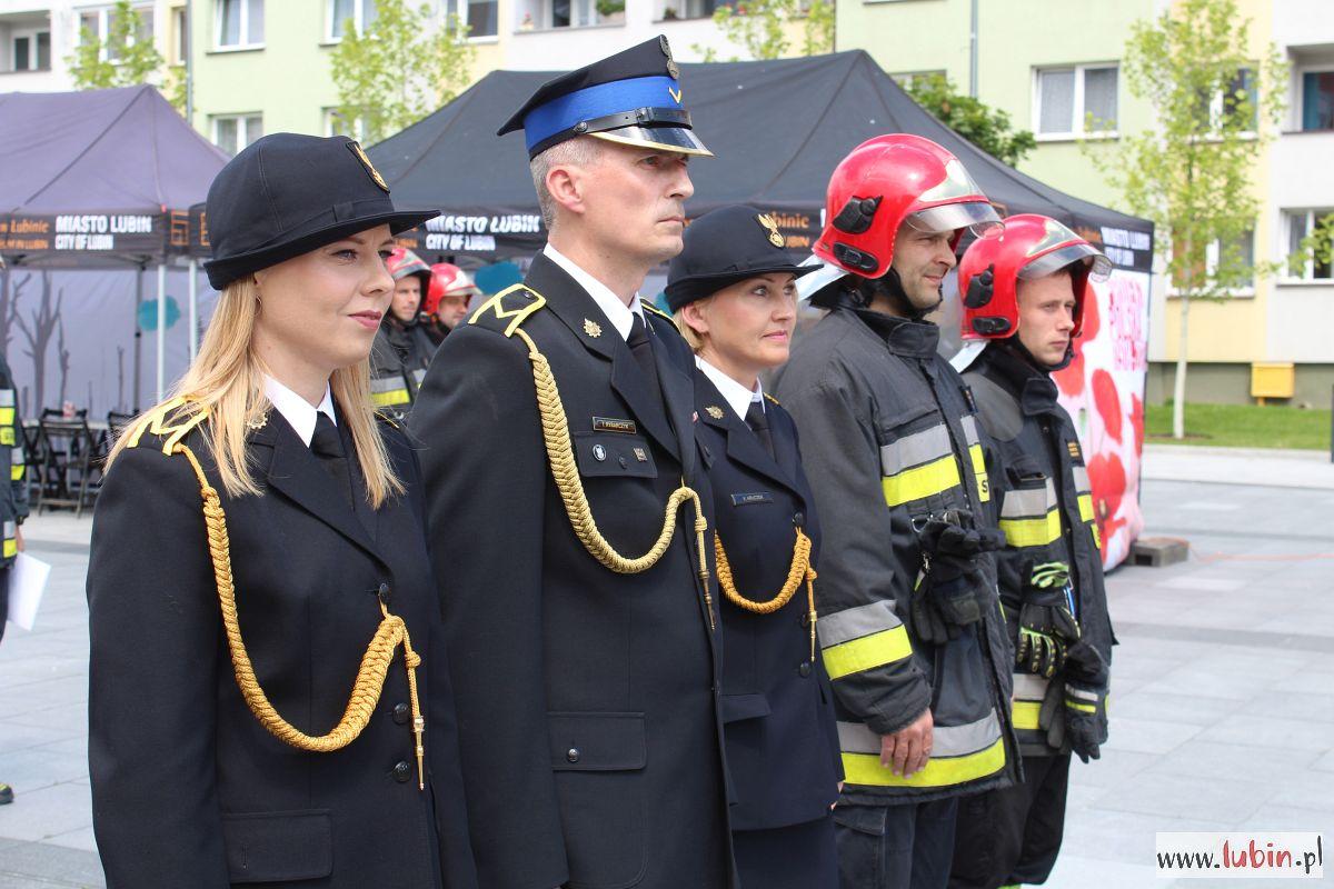 Nowe auta, wkrótce nowa komenda – lubińscy strażacy świętują (WIDEO, FOTO)
