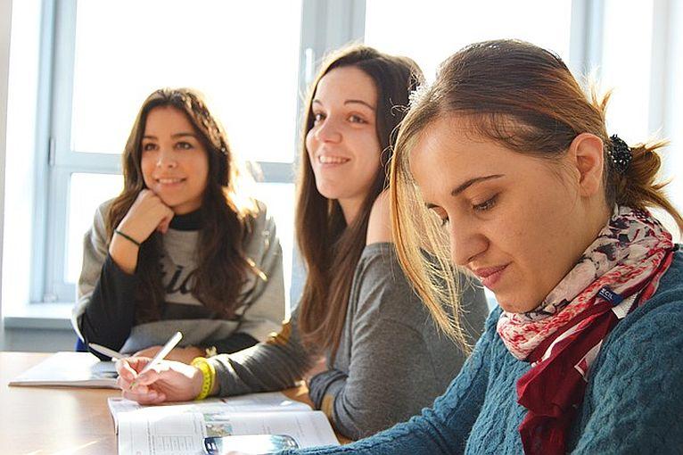 Nie jesteś sam – lubiński MOPS obejmuje opieką uczniów