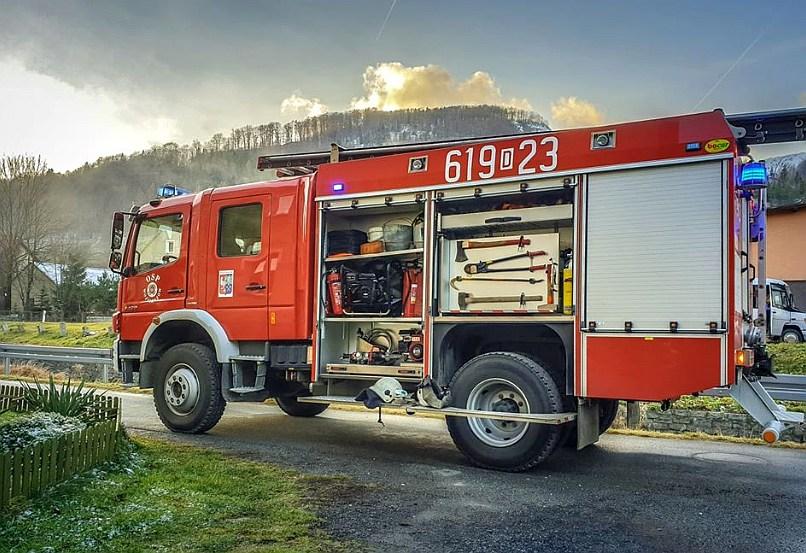 Strażacy gasili pożar sadzy