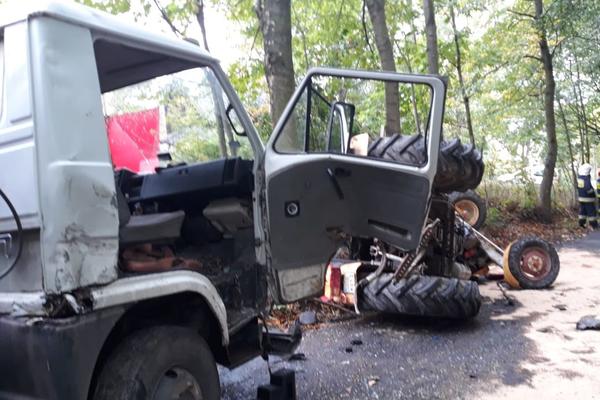 Traktor przygniótł mężczyznę. Zmarł na miejscu